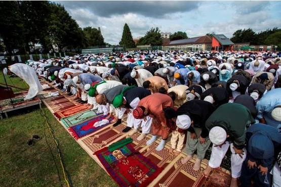 Bristol's Muslims celebrate Eid al-Fitr together